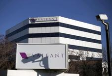 Valeant Pharmaceuticals International, le groupe pharmaceutique canadien en cours de restructuration, a annoncé lundi la nomination à son conseil d'administration de l'investisseur activiste John Paulson, son principal actionnaire. /Photo d'archives/REUTERS/Christinne Muschi