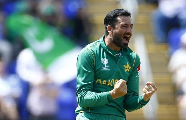Britain Cricket - England v Pakistan - 2017 ICC Champions Trophy Semi Final - Sophia Gardens - June 14, 2017 Pakistan's Junaid Khan celebrates taking the wicket of England's Jos Buttler Action Images via Reuters / Peter Cziborra Livepic