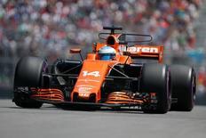 فرناندو ألونسو سائق مكلارين خلال تجارب سباق كندا في فورمولا 1 يوم العاشر من يونيو حزيران 2017. تصوير: كريس واتي - رويترز.