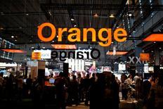 Orange a annoncé lundi avoir placé 1,33% du capital de BT pour environ 383 millions de livres. /Photo prise le 15 juin 2017/REUTERS/Benoit Tessier