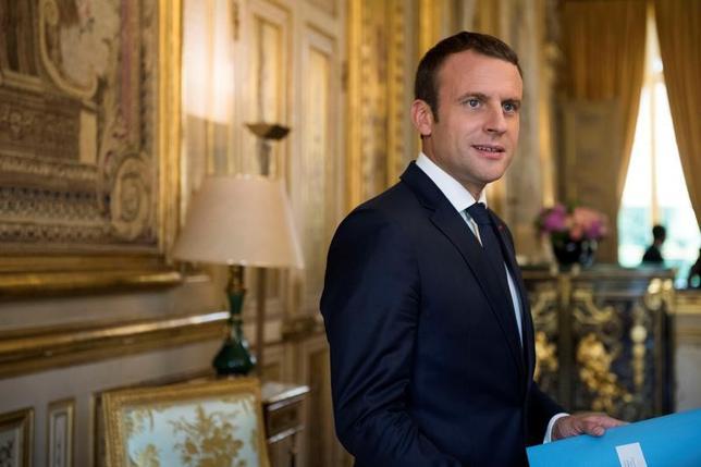 6月21日、4人の上級外交官が明らかにしたところによると、22─23の両日に行われる欧州連合(EU)首脳会議では、マクロン仏大統領(写真)が訴える戦略的産業での外資規制について大半の加盟国が反対する構えだ。20日に代表撮影(2017年 ロイター/Julien de Rosa/Pool)