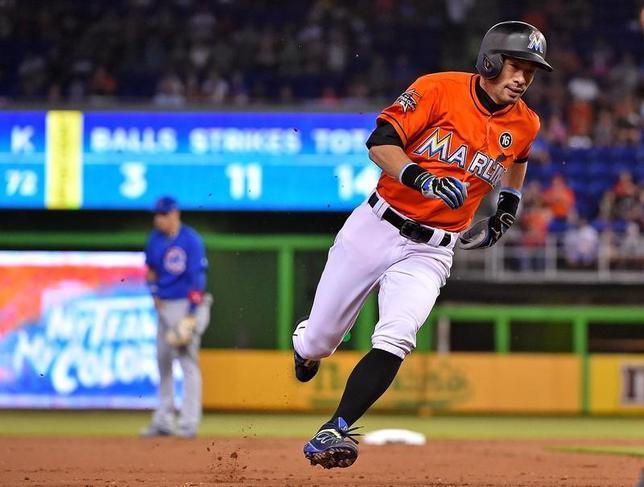 6月25日、MLBマーリンズのイチロー外野手は、地元でのカブス戦に1番・中堅で先発し4打数0安打(2017年 ロイター/Jasen Vinlove-USA TODAY Sports)
