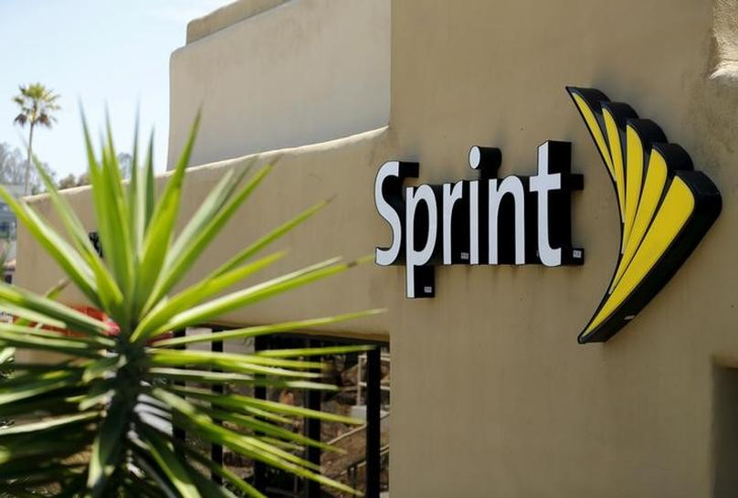 Sprint in exclusive talks with Charter, Comcast on wireless deal - Wall Street Journal