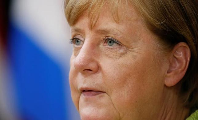 6月26日、ドイツのメルケル首相がこれまでの選挙戦を勝ち抜いてきた理由の一部は、最低賃金などの人気のあるアイディアを政治的なライバルから借用する手腕だ。ベルリンで22日撮影(2017年 ロイター/Gonzalo Fuentes)