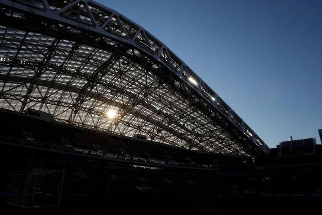 6月27日、国際サッカー連盟(FIFA)は、2018年ワールドカップ(W杯)ロシア大会と2022年カタール大会における不正招致疑惑の報告書を公開した。25日撮影(2017年 ロイター/Carl Recine)