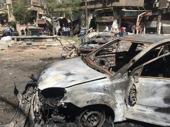 7月2日、シリア外務省によると、首都ダマスカスで自動車に仕掛けられた爆弾が爆発し、20人が死亡、多数の負傷者が出た。ダマスカスでの爆弾攻撃は、自爆攻撃が相次いだ3月以来となる(2017年 ロイター/Firas Makdesi)