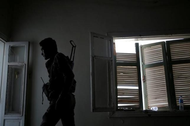 7月3日、過激派組織「イスラム国」(IS)の掃討を目指す米国主導の有志連合はISが「首都」と位置付けるシリア北部ラッカの旧市街に、米軍の支援する民兵組織「シリア民主軍」が進攻したと発表した。写真は6月、ラッカで撮影(2017年 ロイター/Goran Tomasevic)