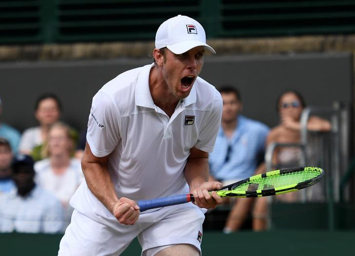Tennis - Querrey out to 'sneak a win' and deflate Murray Mania