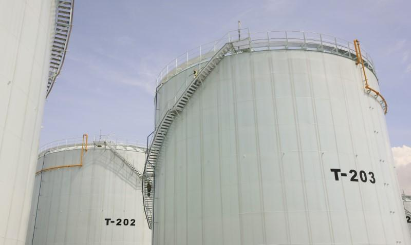 Cold storage: traders shift oil products out of tanks as