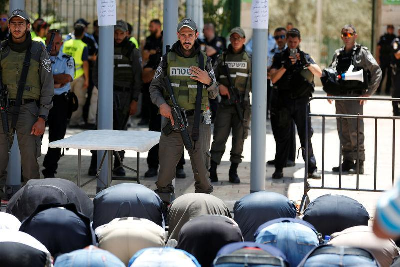 Jew Detector: What's The Issue With Metal Detectors In Jerusalem?