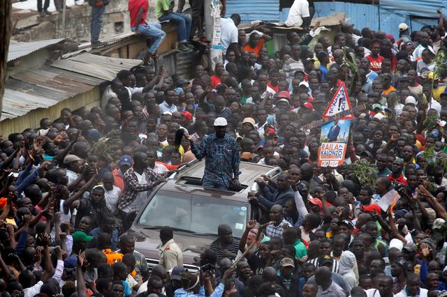 Opposition leader Raila Odinga greets supporters in Nairobi, Kenya, August 13, 2017. REUTERS/Thomas Mukoya
