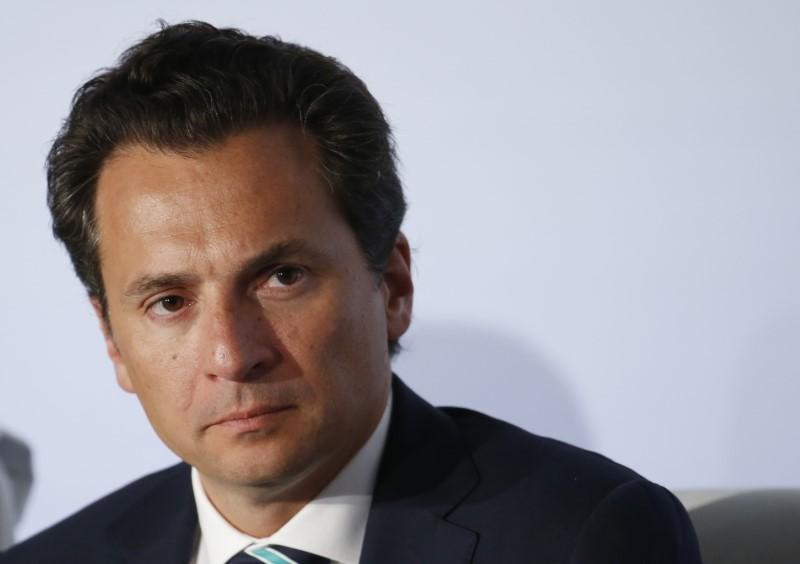 Former Mexican presidential aide denies taking bribes from