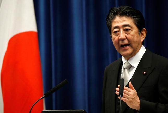 8月15日、安倍晋三首相とトランプ米大統領は日本時間午前、北朝鮮情勢を巡って電話会談した。写真は安倍首相。都内で3日撮影(2017年 ロイター/Kim Kyung-hoon)