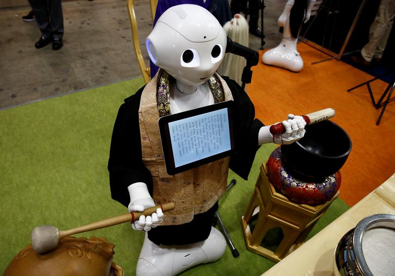 In Japan, robot-for-hire programed to perform Buddhist funeral rites
