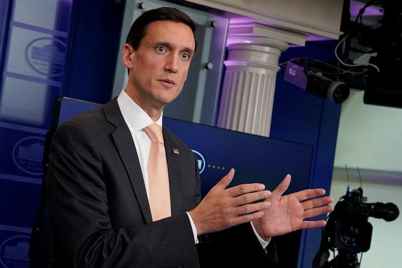 White House vows quick action as Harvey aid estimates soar