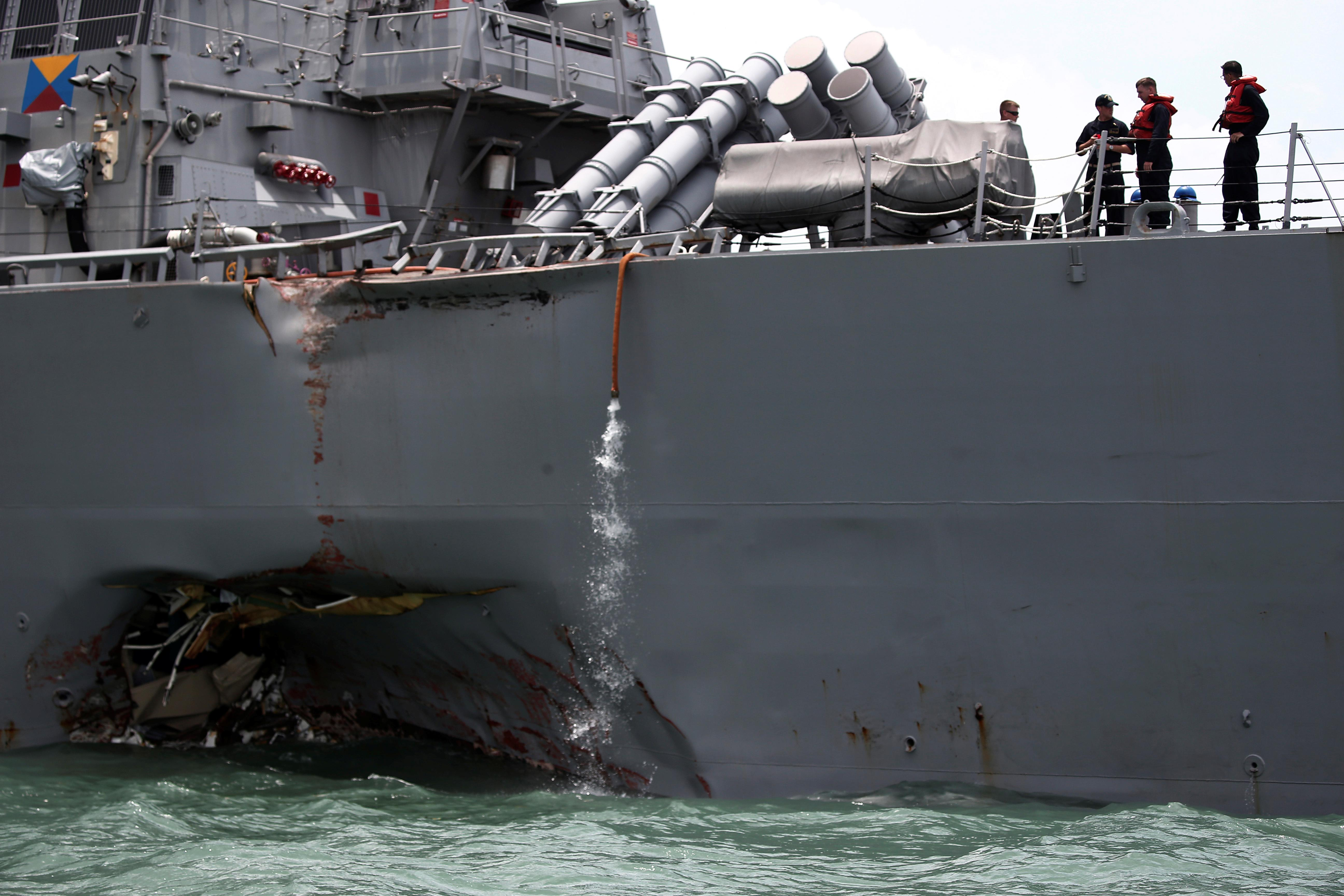 U.S. Navy to transport damaged destroyer from Singapore to Japan
