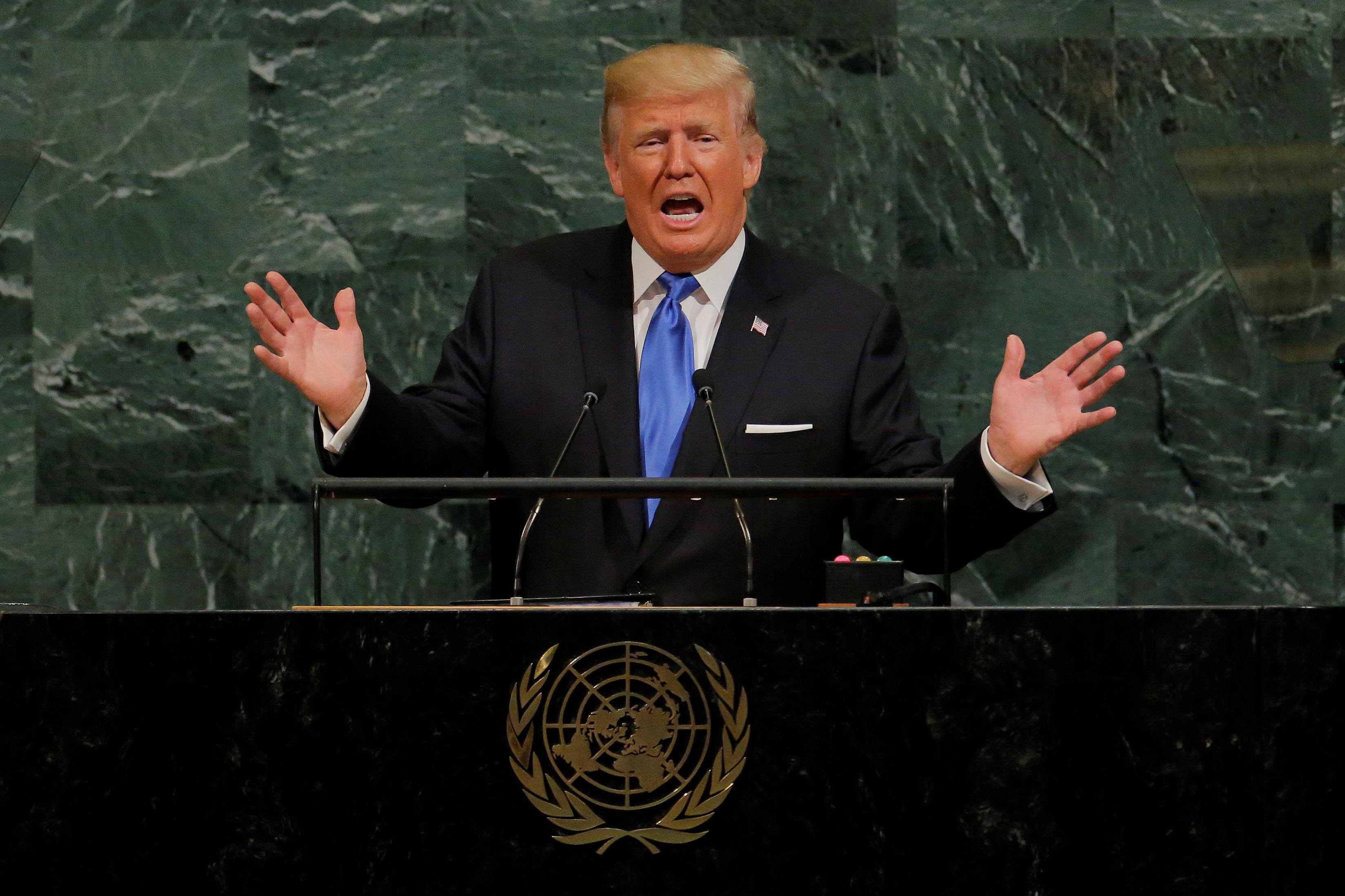 Factbox: Trump trên Twitter (ngày 20 tháng 9) - dự luật của Graham-Cassidy, Luther Strange