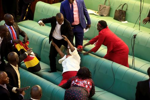 Fighting breaks out in Uganda parliament