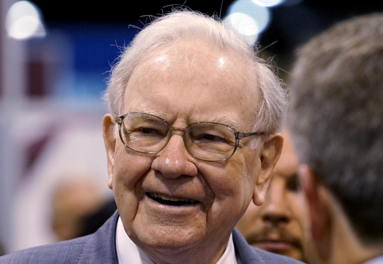 Buffett Bets On Truck Stops To Buy Majority Of Pilot Flying J Reuters