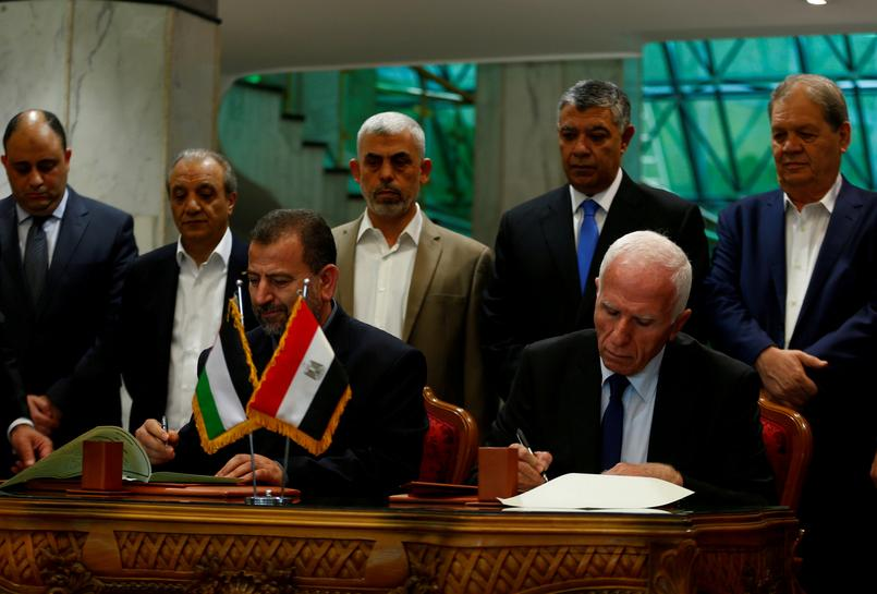 Palestinian rivals Fatah, Hamas sign reconciliation accord