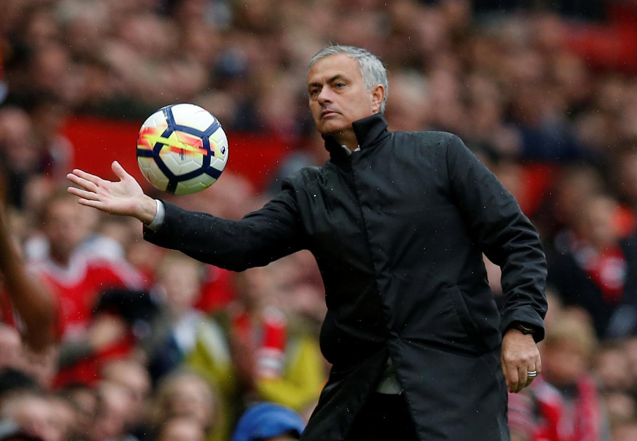 Mourinho finally explains his decisions and tactics against Liverpool to fans