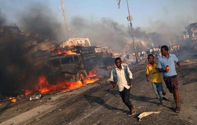 Twin bomb blasts strike Somali capital