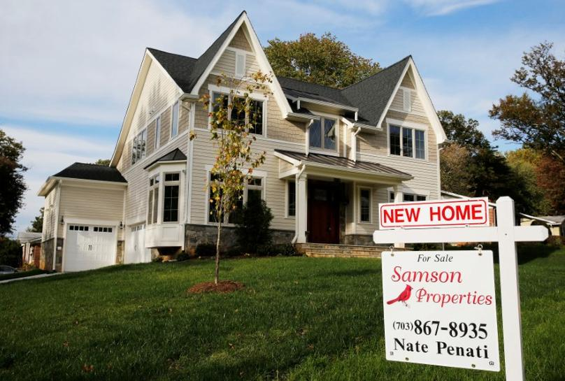 U.S. housing starts hit one-year low; building permits tumble