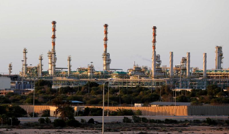 Financial, security woes put Libyan oil recovery on shaky