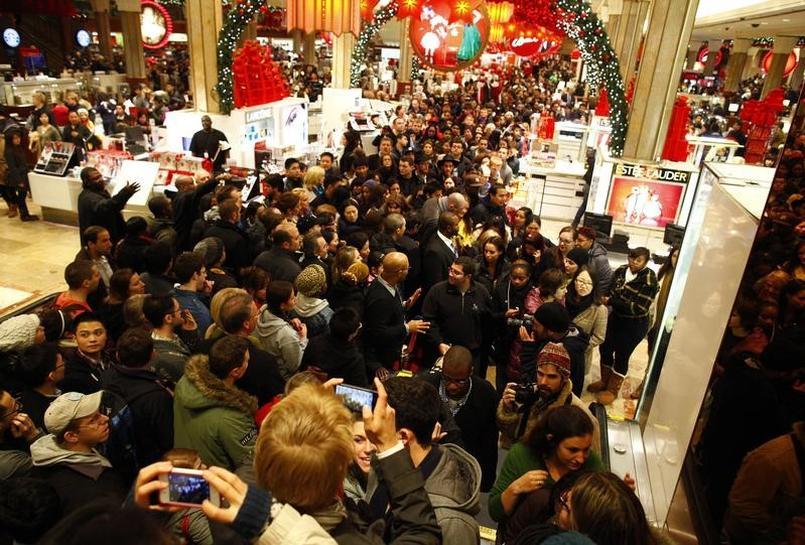アングル:米百貨店、年末商戦控え在庫圧縮に躍起