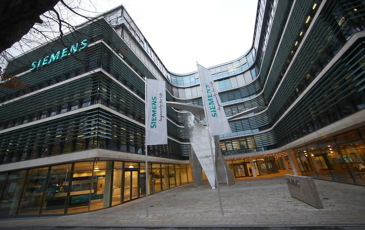 Siemens to cut 6,900 jobs to tackle flailing turbines business - Reuters