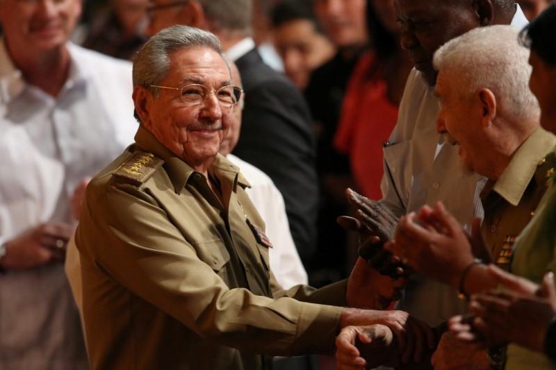 Raul Castro partecipa ad una cerimonia per il centenario della Rivoluzione di Ottobre russa all'Avana, a Cuba, il 7 novembre 2017. Credits to: Stringer/Reuters.