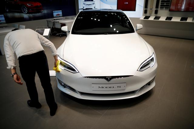 Build fast, fix later: speed hurts quality at Tesla, some workers