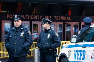 Explosion rocks New York's Port Authority