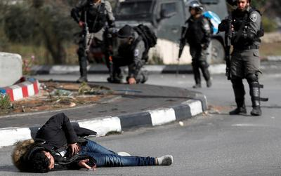 Violent clashes between Palestinians and Israeli soldiers