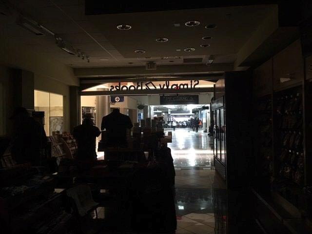 Image result for Hartsfield-Jackson Atlanta airport says power back after major flight delays