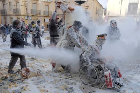 Flour war in Spain