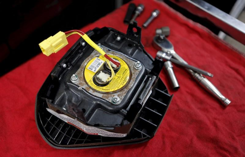 Ford urges 2,900 pickup owners to stop driving after new Takata death