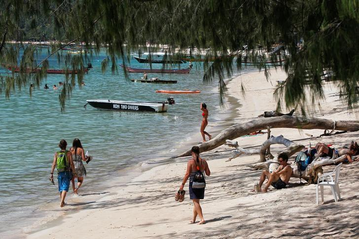 Thailand plans for even more tourists as numbers top 35