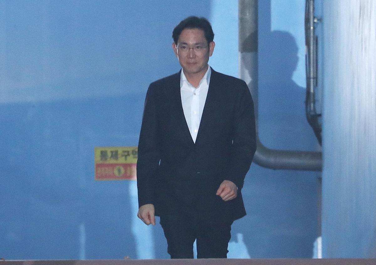 Despite Anger, Samsung Heir Lee's Release Lifts Hopes for New Jobs, Investment