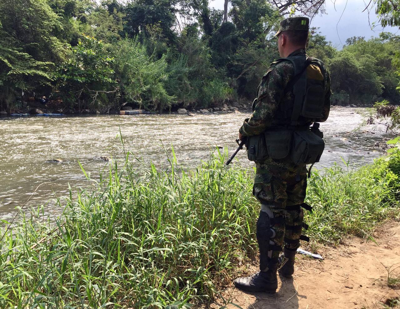 Colombia, Brazil tighten borders as Venezuelan crisis