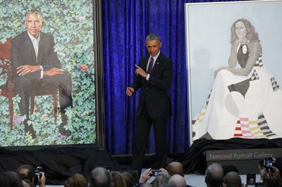 Obamas unveil official portraits