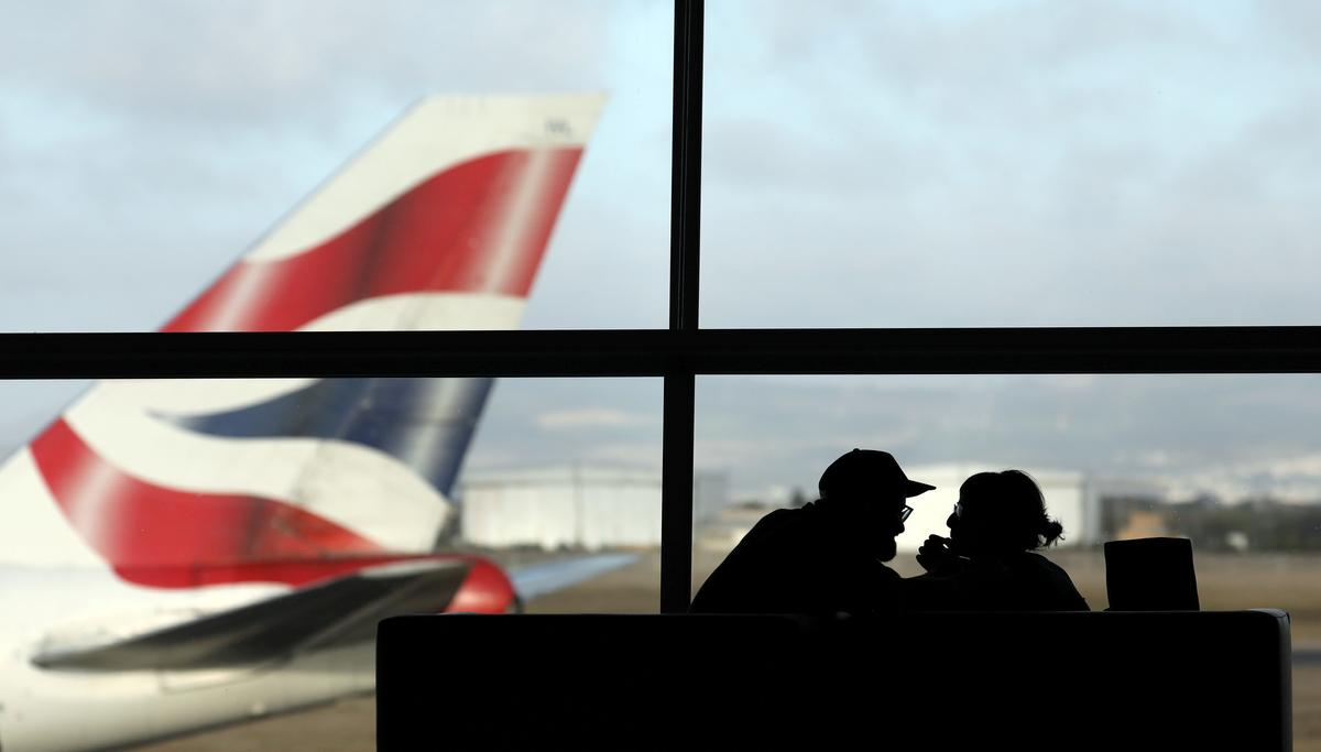 Airlines turn to technology to solve overbooking puzzle