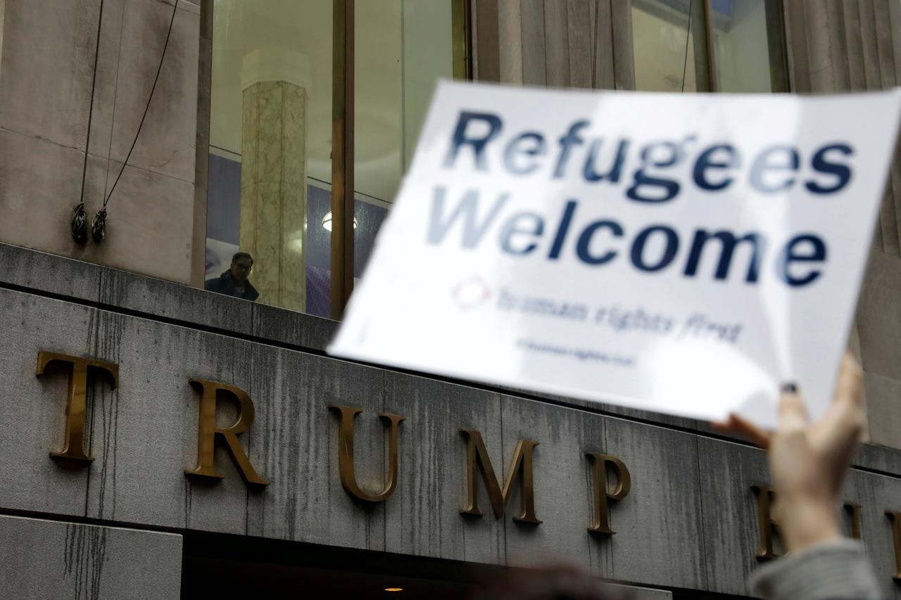 Exclusive: Dozens of refugee resettlement offices to close