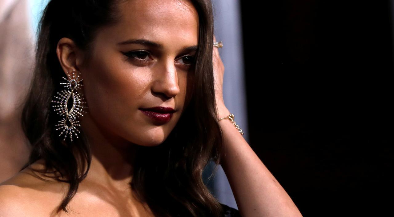 Tomb Raider Reboot Tests Oscar Winner Vikander S Star Power
