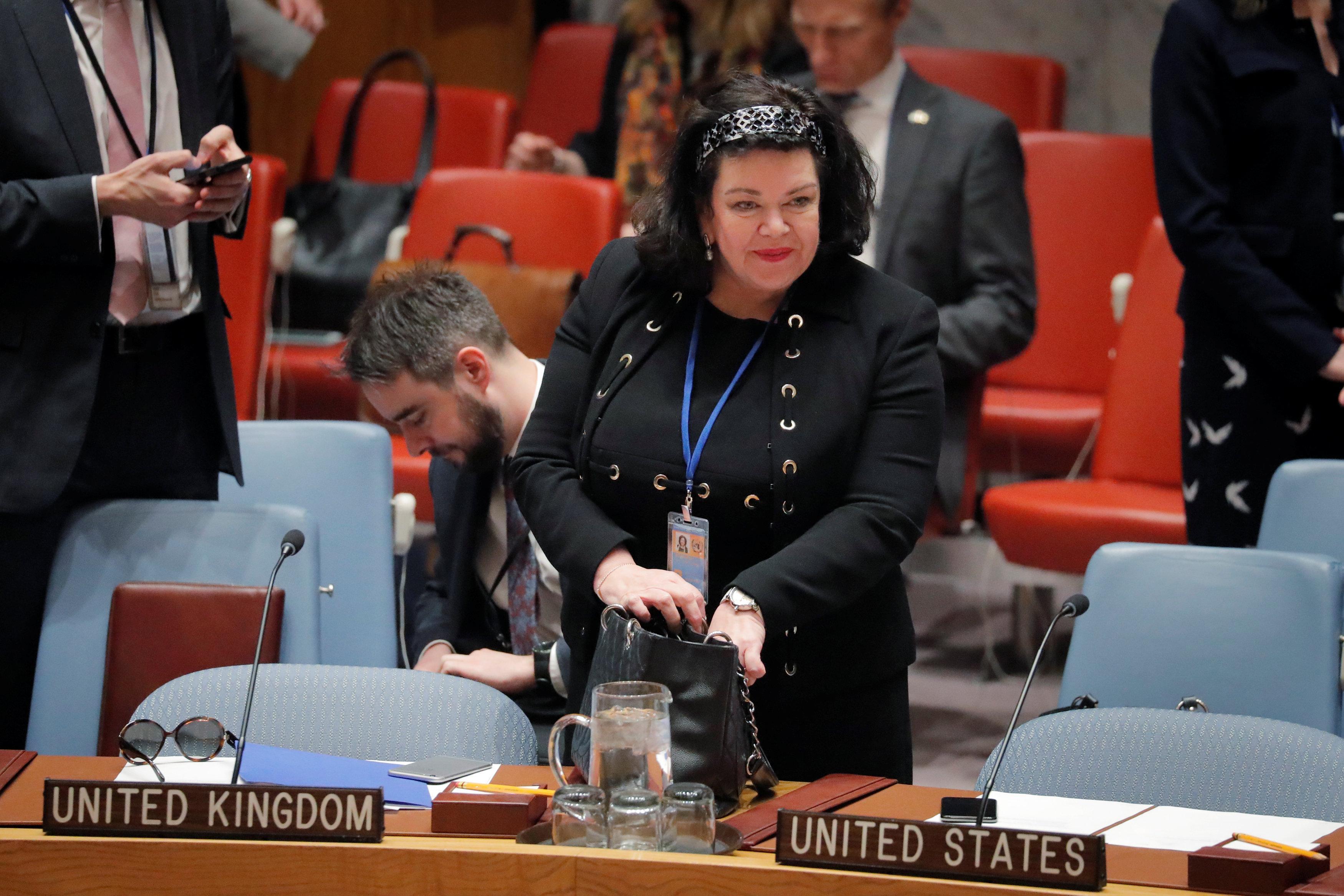 Gran Bretaña dice que la hija de un exespía envenenado permitirá el acceso consular de Rusia