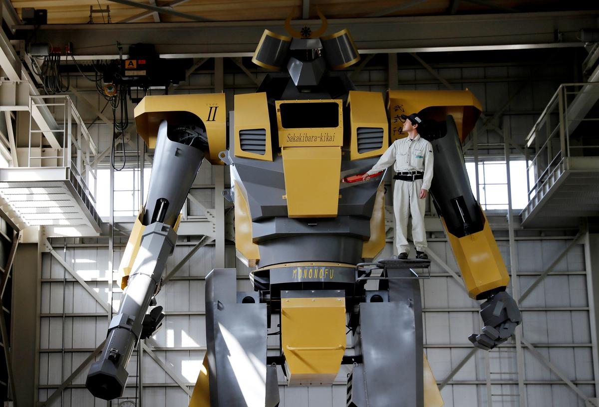 Japanese engineer builds giant robot to realize 'Gundam