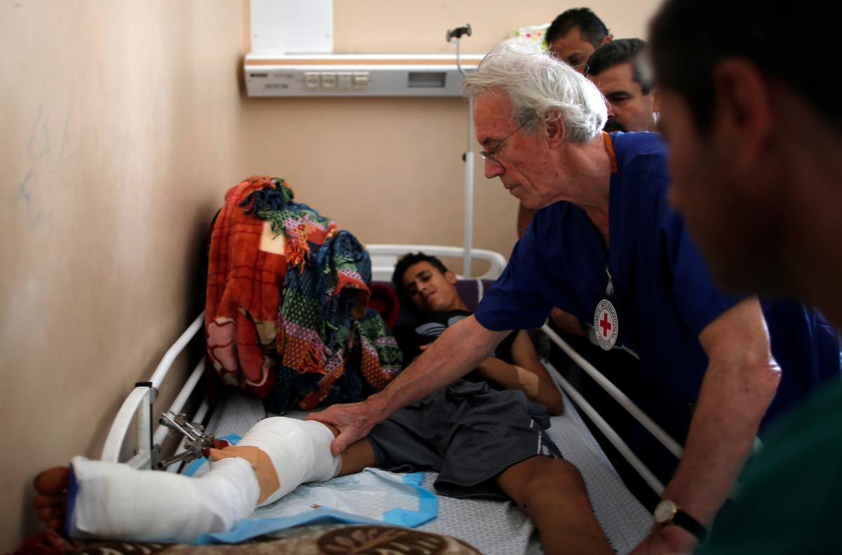 At Gaza's largest hospital, the wounded keep coming | Reuters