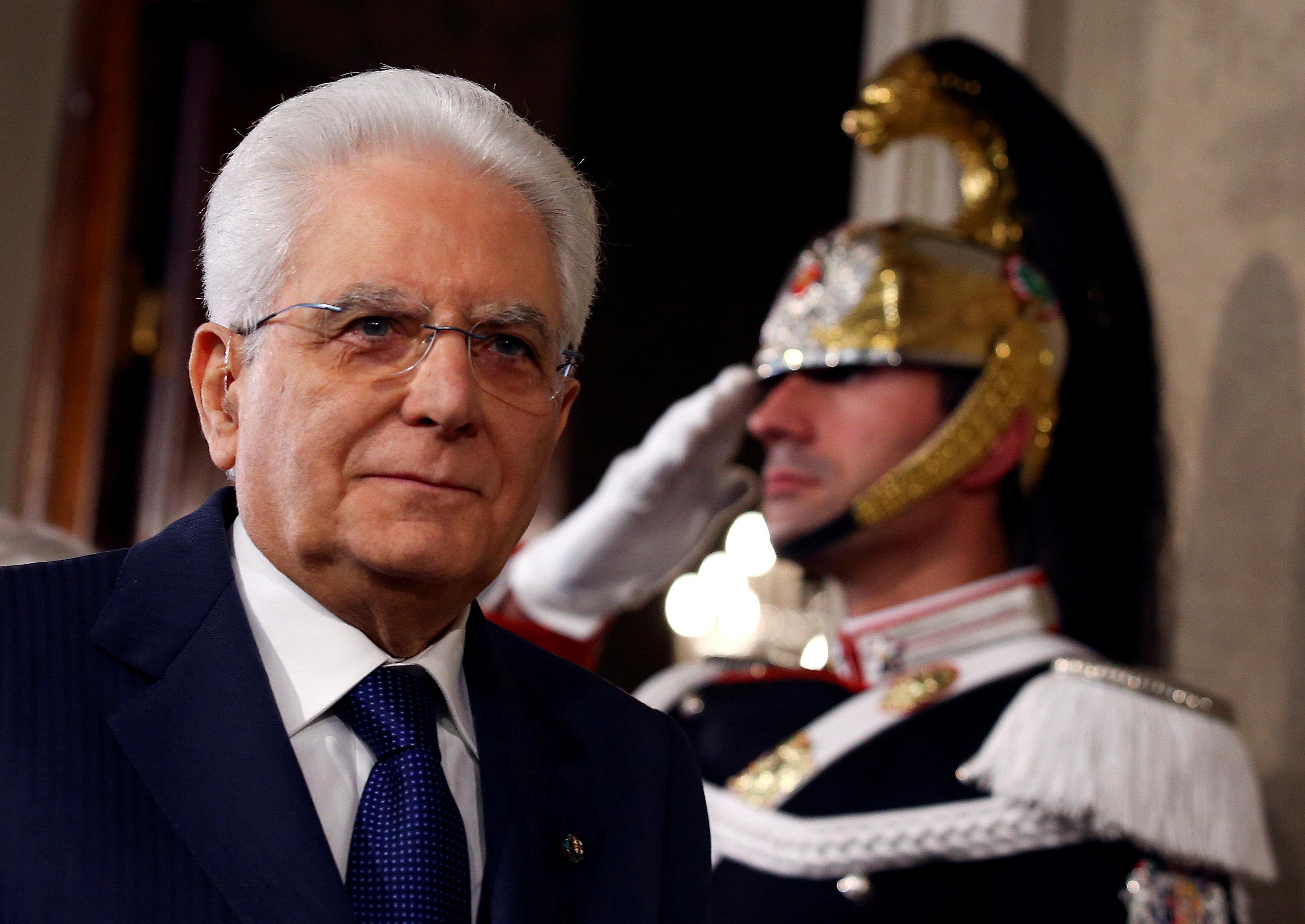 El presidente de Italia le da a la Liga 5 Estrellas más tiempo para cerrar un acuerdo con el gobierno