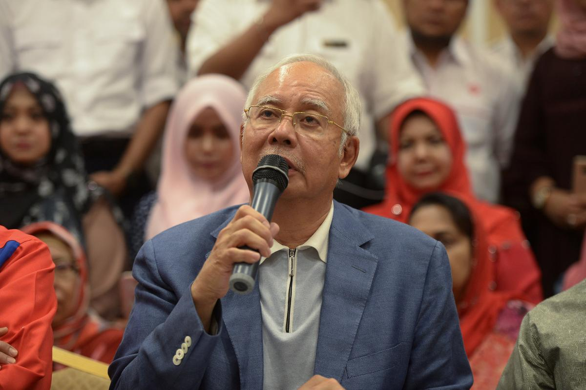 The week that Malaysian leader Najib's world fell apart
