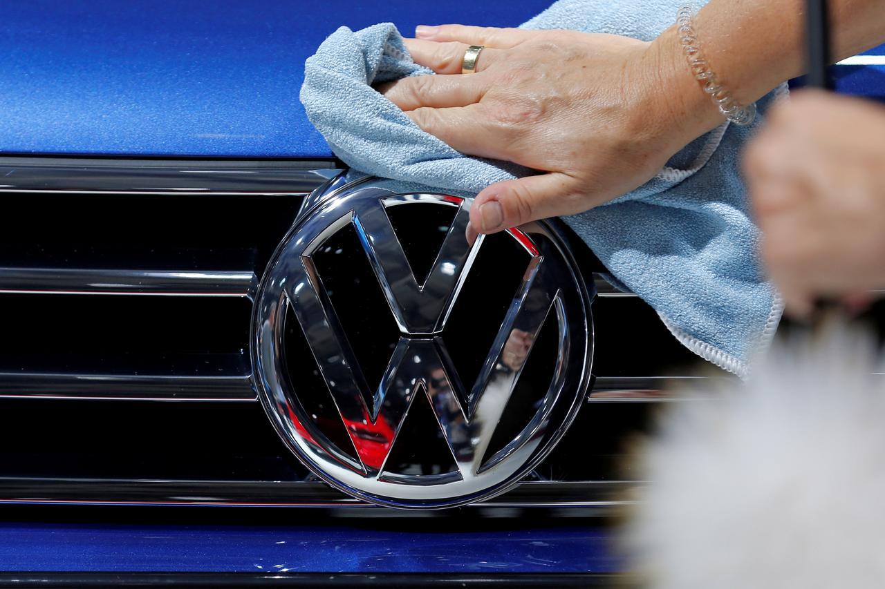Volkswagens Biggest Brand To Bypass Paris Auto Show Reuters - Volkswagen car show